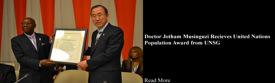 Dr. Jotham Musinguzi recieves UN-Award